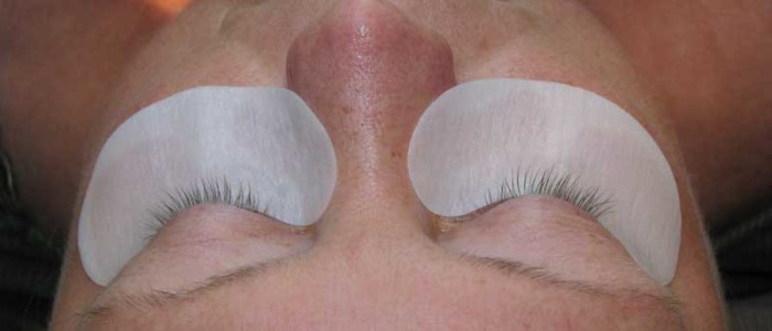 Before eyelash extensions.