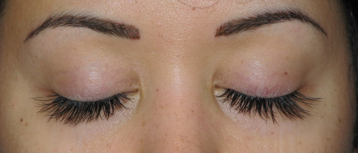 Picture of eyelash extensions.
